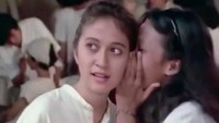 <p>Nama Yessy Gusman semakin dikenal lewat perannya di film <em>Gita Cinta Dari SMA</em> (1979). Ia beradu akting dengan Rano Karno. (Foto: Instagram @yessy_gusman)</p>