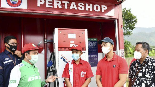 Meninjau Pertashop di Pulau Samosir, Kepala BPH Migas mengungkapkan bahwa Pertamina dilarang memiliki saham investasi pada Pertashop.