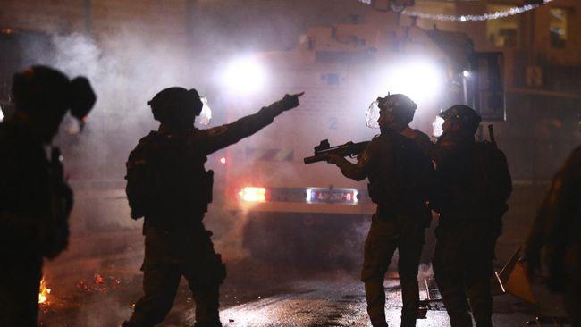 Yordania mengecam Israel atas serangan terhadap warga Palestina di masjid Al Aqsa. Yordania menyebut tindakan Israel sebagai serangan barbar.