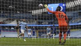 Gara-gara Panenka Aguero, Man City Belum Juara Liga Inggris