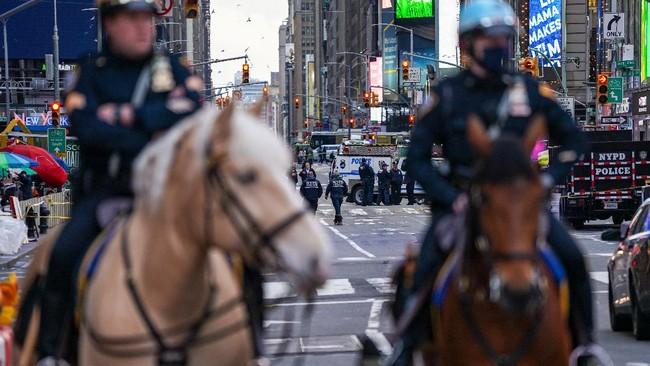 Sebanyak tiga orang terluka dalam penembakan di kawasan Times Square, Kota New York, Amerika Serikat.