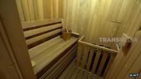 <p>Tak hanya itu, rumah Ingrid juga dilengkapi dengan ruang sauna, Bunda. Ruang sauna sengaja dibuat dekat dengan kolam renang karena setelah berenang biasanya Ingrid Kansil akan lanjut ke ruang sauna selama 15 menit. (Foto: YouTube Trans7 Official)</p>