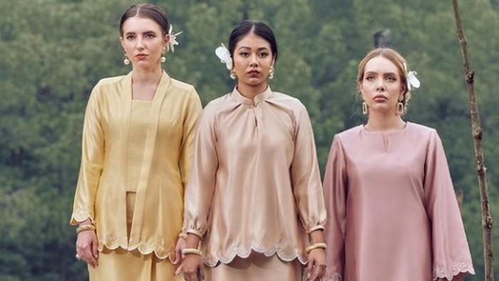 Tampak Santun Saat Lebaran dengan Inspirasi Baju Kurung Muslim