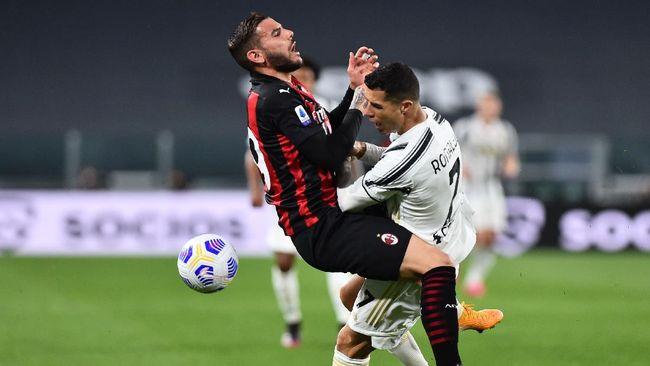 AC Milan atau Juventus kemungkinan bakal gagal lolos ke Liga Champions karena Napoli punya peluang lebih baik.