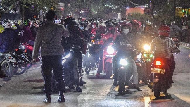 Polisi Tambah Pos Penyekatan Bekasi Buntut Dijebol Pemudik