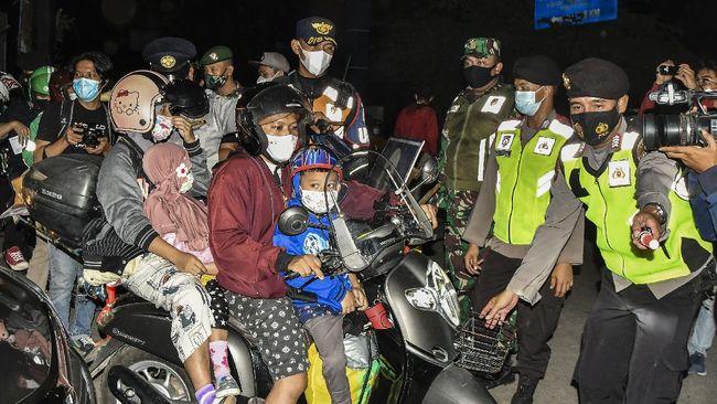 Polisi menyebut 24.477 kendaraan yang hendak keluar DKI diputar balik selama lima hari masa larangan mudik lebaran 2021.