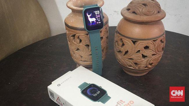 Uji produk Amazfit Bip U Pro, dengan bentuk frame kotak smartwatch ini sekilas mirip dengan Apple Watch namun dengan harga Rp800 ribuan saja.