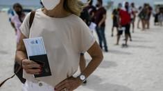 FOTO: 'Wisata Vaksin' di Pantai Miami