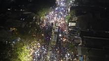 Wajah Pos Mudik Bekasi-Karawang: Siang Ramah, Malam Chaos