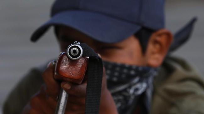 Anak-anak di daerah terpencil di Meksiko dilatih menggunakan senjata api untuk mempertahankan diri dari kekejaman sindikat kejahatan dan narkoba.