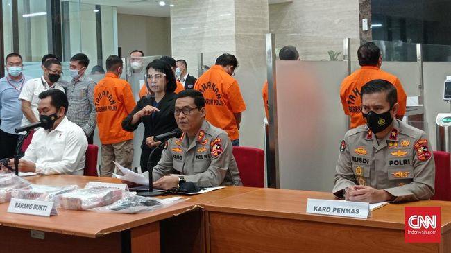 Bupati Nganjuk Novi Rahman Hidayat ditahan oleh Bareskrim Poli usai ditetapkan sebagai tersangka korupsi terkait pengisian jabatan.