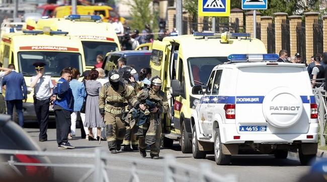 Sebanyak tujuh pelajar dan satu orang guru meninggal dalam peristiwa penembakan di sebuah sekolah di Kota Kazan, Tatarstan, Rusia.