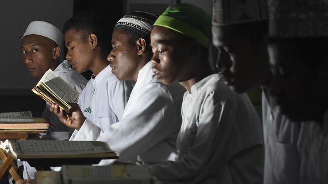 RMI PBNU meminta tak buru-buru memberi cap santri tahfidz yang enggan mendengarkan musik dekat dengan radikalisme.