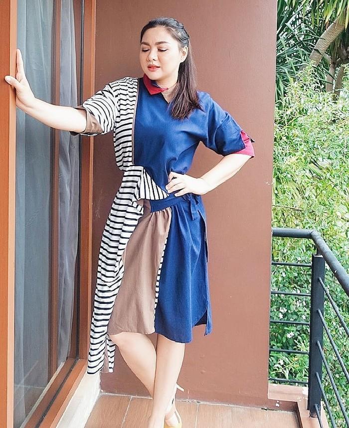 Selama mengandung anak keduanya, berat badan Vicky Shu memang sempat bertambah hingga 25 kg. Bahkan ia mengaku sempat tidak percaya diri karena hal tersebut. (Foto: Instagram.com/vickyshu)