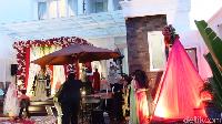<p>Shella Shaukia, wanita cantik yang viral dijulukin 'Sultannya' Aceh ini menggelar acara buka puasa bersama dengan tema super mewah, Bunda. (Foto: YouTube: MIFTAH ARMIA)</p>