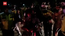 VIDEO: Polisi Tangkap 5 Provokator Penerobos Penyekatan