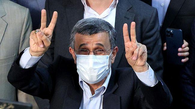 Mantan Presiden Iran Mahmoud Ahmadinejad dilaporkan akan kembali mencalonkan diri dalam Pemilihan Presiden pada Juni 2021.