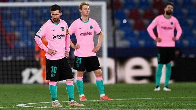 Barcelona membuang kesempatan ke puncak klasemen Liga Spanyol usai bermain imbang 3-3 lawan Levante di Stadion Ciudad de Valencia.