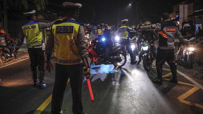 Polda Metro Jaya memutarbalikkan 64.612 kendaraan yang kedapatan berniat melakukan perjalanan mudik sejak 6 Mei hingga Lebaran 13 Mei.