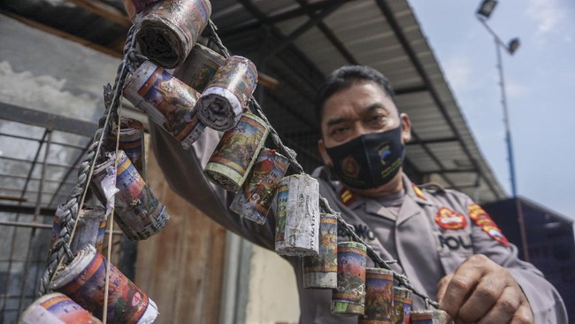 Polres Kudus Tangkap Penjual Petasan 'Makan Korban'