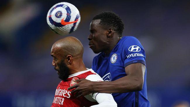 Klasemen Liga Inggris mengalami sedikit perubahan setelah Arsenal berhasil mengalahkan Chelsea pada pekan ke-36, Kamis (13/5) dini hari WIB.