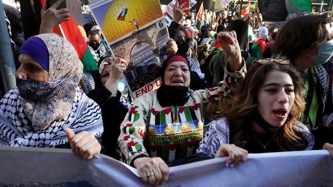 Aksi dukungan untuk Palestina berlangsung di sejumlah kota di Amerika Serikat, menyusul puluhan warga Palestina tewas karena serangan Israel.