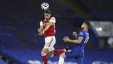 Arsenal secara mengejutkan berhasil mempecundangi Chelsea pada lanjutan Liga Inggris di Stamford Bridge, Kamis (13/5) dini hari WIB.