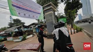 FOTO: Ketika Jakarta Tiadakan Ziarah Kubur Saat Idul Fitri