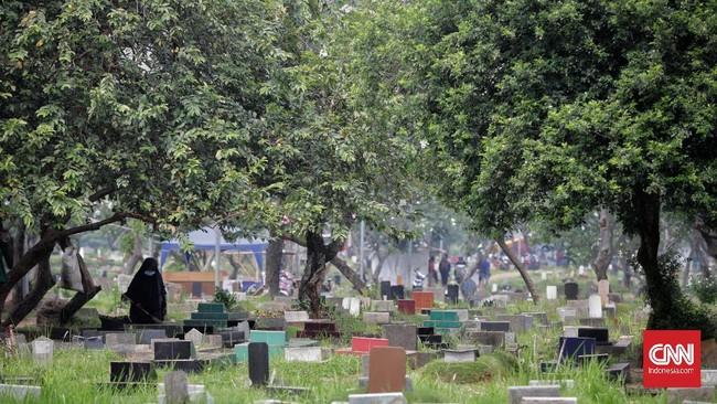 Anies Izinkan Warga Jakarta Ziarah Kubur Mulai Senin