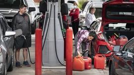FOTO: Panik Beli BBM di AS Usai Jaringan Pipa Minyak Dibuka