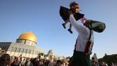 Selepas berpuasa sebulan penuh selama Ramadan, pada 1 Syawal 1442 Hijriah, umat Muslim sedunia merayakan hari raya Idulfitri atau Lebaran 2021.