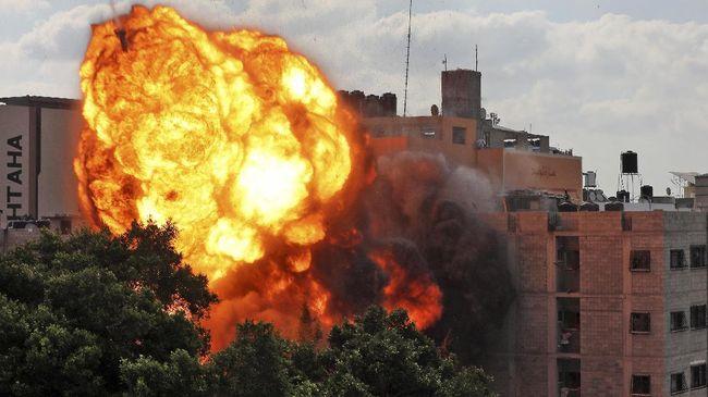 Sepuluh orang di Gaza yang merupakan satu keluarga tewas dihantam serangan udara Israel.
