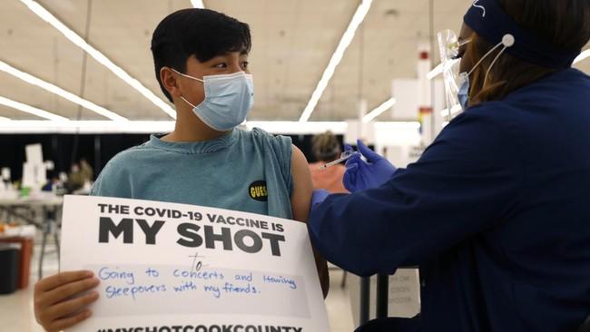 Amerika Serikat mulai membagikan vaksin corona buatan Pfizer kepada anak berusia 12-15 tahun.