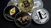 Uang Kripto 'Kecil' Melesat di Tengah Penurunan Harga Bitcoin
