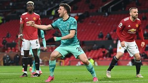 FOTO: Liverpool Hajar Man Utd, Buka Asa ke Liga Champions