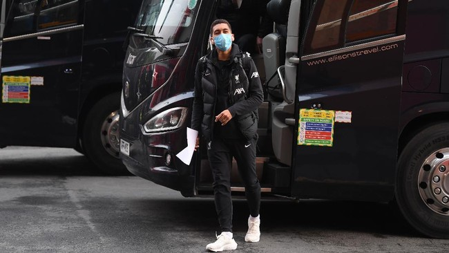 Bus Tim Dicegat, Liverpool Tipu Suporter Man Utd