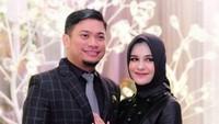 <p>Seperti pasangan romantis lainnya, Priska dan suaminya tak lupa merayakan ulang tahun pernikahan mereka. Beberapa waktu lalu, mereka merayakan ultah pernikahan ke-10, Bunda (Foto: Instagram @priskaparamita)</p>