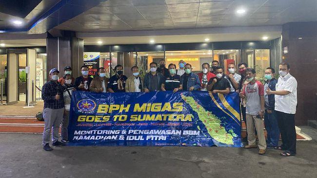 Kegiatan Goes to Sumatera yang tuntas kembali ke Jakarta pada Sabtu (15/5) dini hari dipersembahkan kado spesial untuk ulang tahun BPH Migas ke-18.
