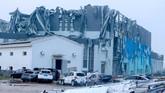 Kota Wuhan dan Shengze di China dihantam oleh tornado pada Jumat (14/5). Hingga Sabtu (15/5), bantuan kemanusiaan terus mengalir dari pusat.