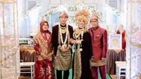 <p>Hijaber cantik bernama Salsabilih itu dinikahi oleh Aldi Taher pada 24 Oktober 2020. Mereka menggelar upacara pernikahan bertema adat Palembang. (Foto: Instagram: @salsabillih06)</p>