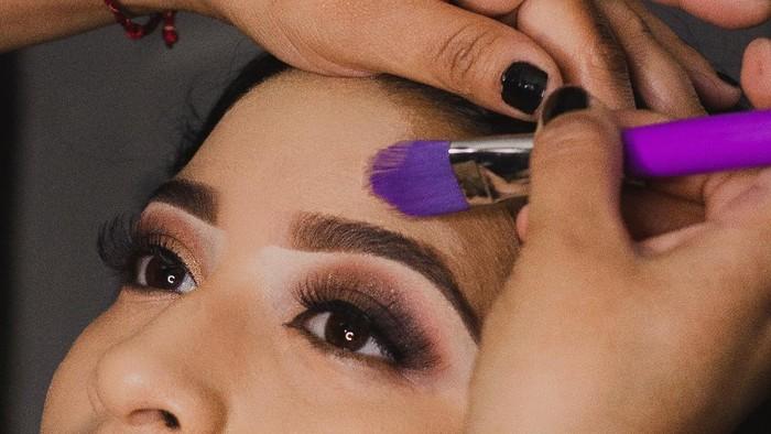 4 Rekomendasi Eyebrows Kit dengan Harga di Bawah 100 Ribu Agar Alis Tetap On Point