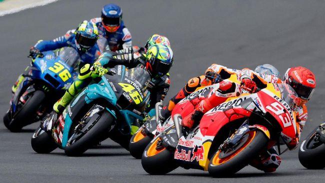 Valentino Rossi menyalahkan kondisi trek Sirkuit Le Mans yang 'tanggung' setelah finis di posisi 11 pada balapan MotoGP Prancis 2021.