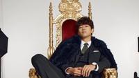 <p>Ok Taec Yeon adalah personil 2PM, boyband legendaris dari generasi K-pop kedua. Debut sebagai idol di 2008, ia merambah dunia akting lewat drama Korea <em>Cinderella's Sister</em> di 2010. Belum lama ini ia menyita perhatian sebagai tokoh antagonis Jang Han Seok di drama Korea <em>Vincenzo.</em> (Foto: Instagram: @taecyeonokay)</p>