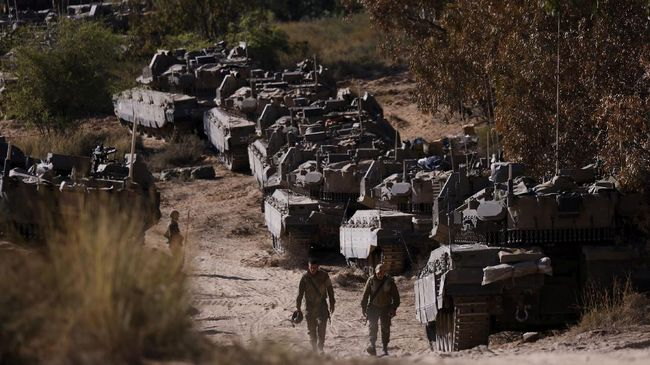 Israel bertekad terus menyerang sampai dapat menghancurkan kemampuan sayap militer Hamas dan kelompok militan lainnya di Jalur Gaza, seperti Jihad Islam.