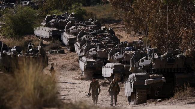 FOTO: Wajah Tank Israel yang Bersiap Gempur Gaza