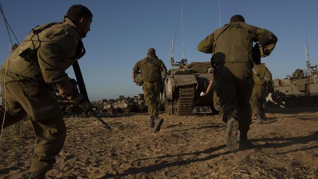 Pendemo Luka Akibat Gas Air Mata dan Bom Asap Tentara Israel