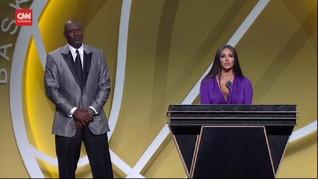 VIDEO: Jordan Wakili Kobe Bryant Terima NBA Hall of Fame