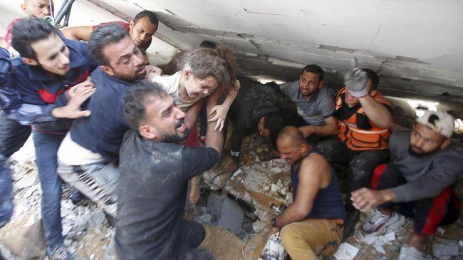 Jumlah penduduk Jalur Gaza, Palestina, yang meninggal akibat serangan Israel sudah mencapai 212 orang dan 1.400 lainnya terluka.