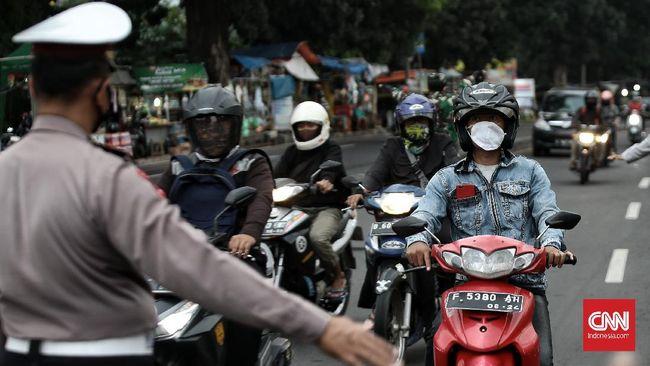 Polda Metro Jaya menjelaskan hari pertama PPKM Darurat di Jakarta sifatnya sosialisasi.