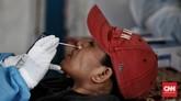 Dinas Kesehatan Kota Depok menggelar rapid tes antigen Covid-19 di Pospam Penyekatan Cilangkap, Depok, Jawa Barat, Senin (17/5).